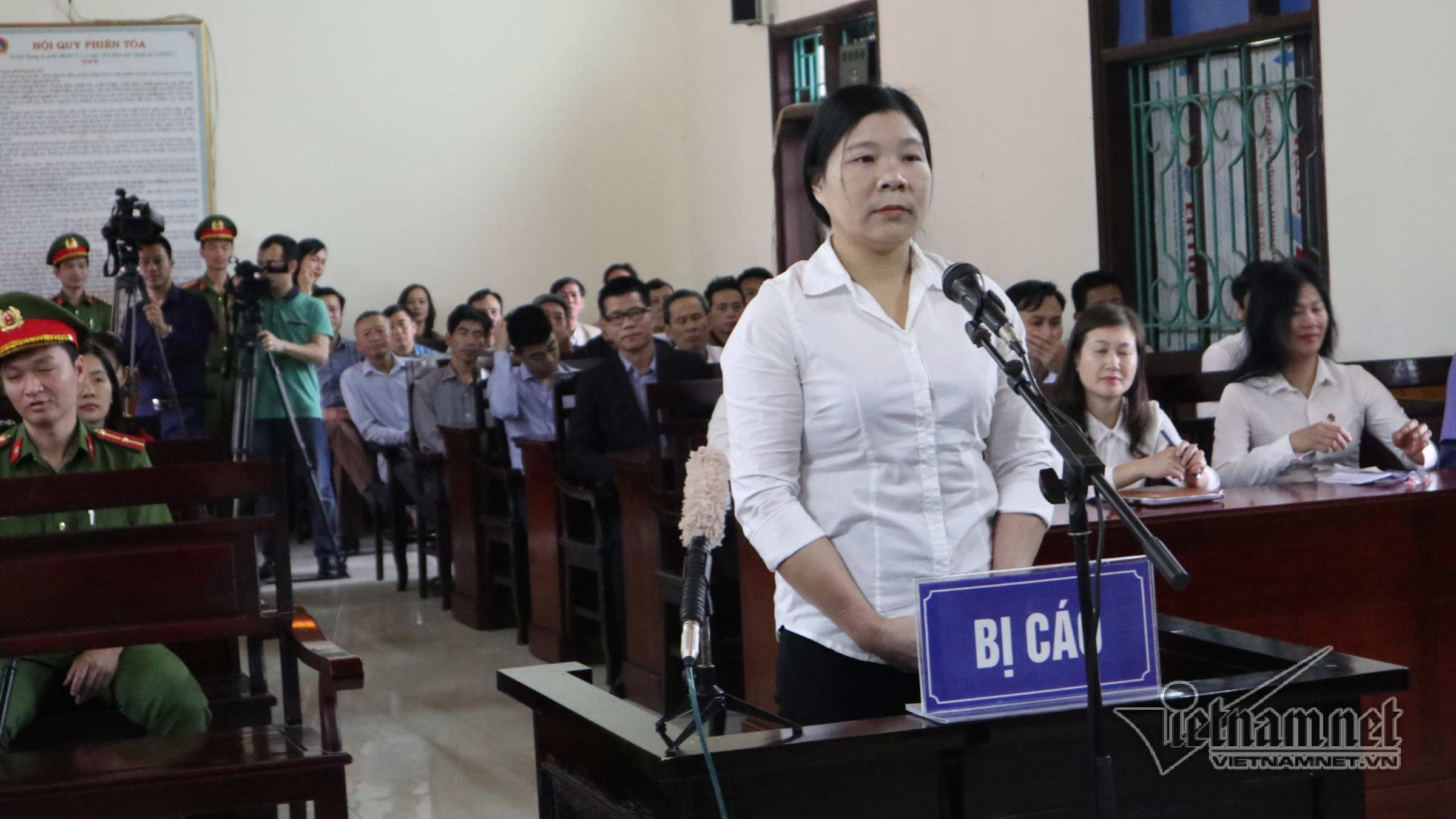 Tran Thi Xuan at trial on April 12, 2018. Source: VietnamNet